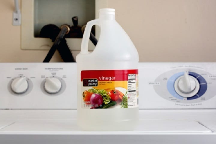5 Grand Ways To Use Vinegar While Washing Clothes