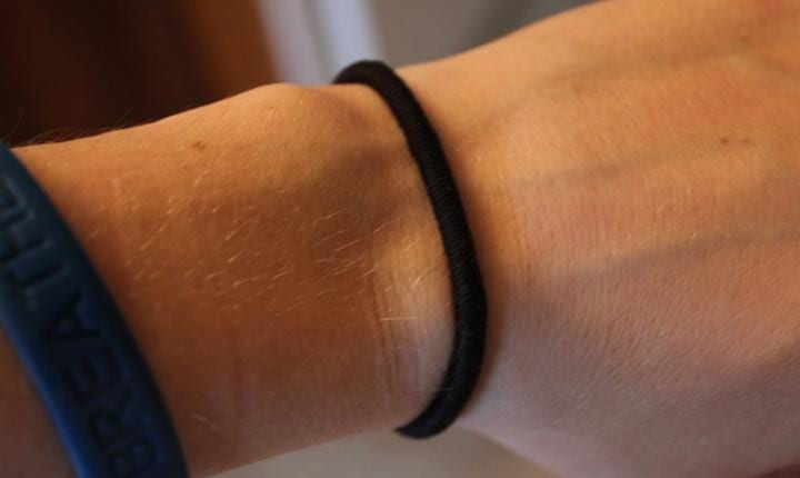 How Wearing A Hair Tie Around Your Wrist Harms Your Health