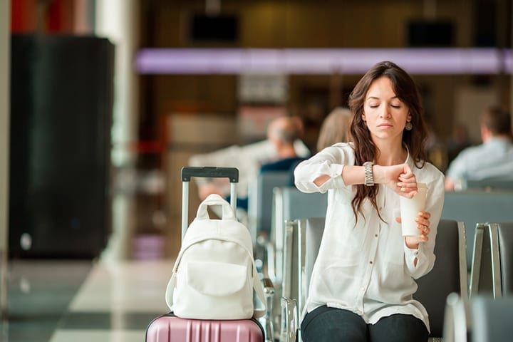 3 simple ways to spend less money waiting in airports