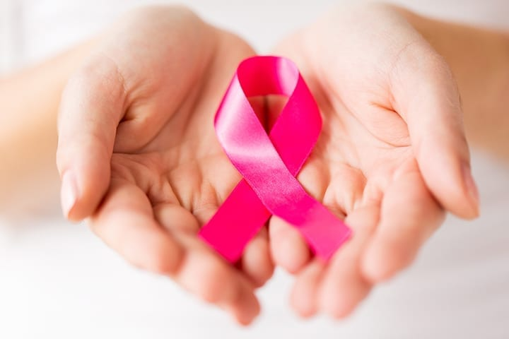 8 Signs Of Breast Cancer All Women Need To Be Aware Of