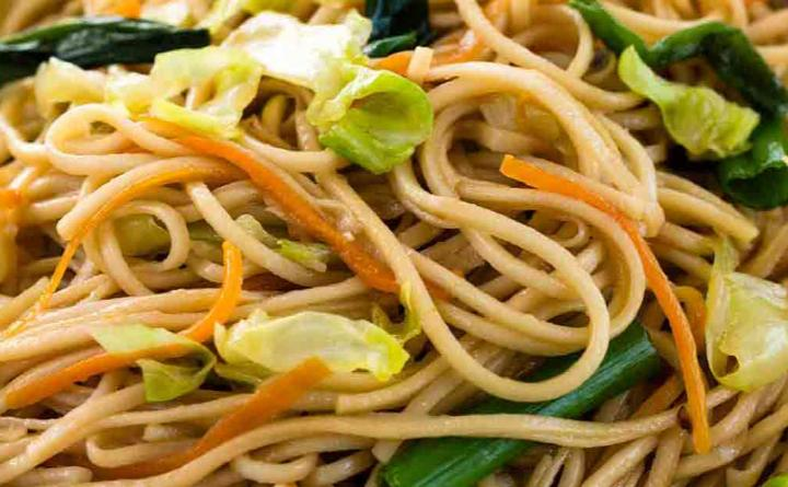 Know Your Noodles: Chow Mein vs. Lo Mein