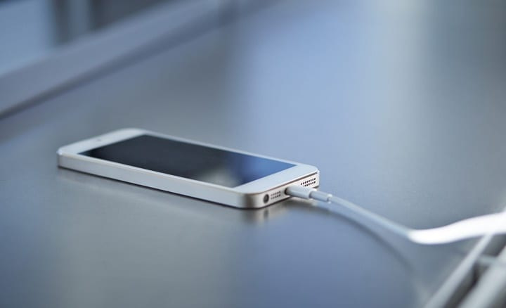 Battery Myths About Charging Your Smartphone Overnight Debunked