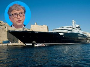 Bill Gates' yacht docked
