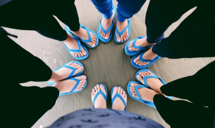5 reasons why you should stop wearing flip-flops