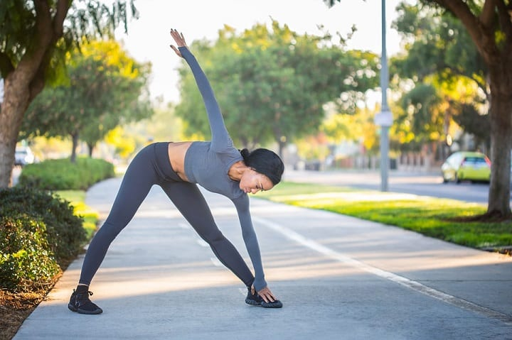 Prime the body with dynamic stretching warm-ups