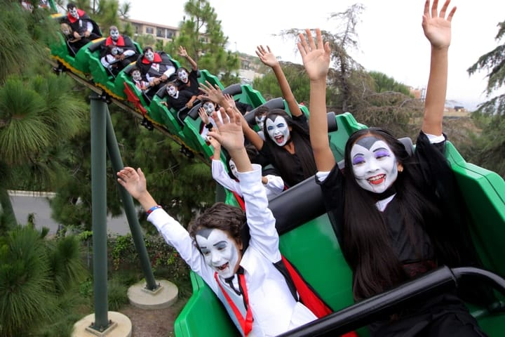 amusement parks for Halloween