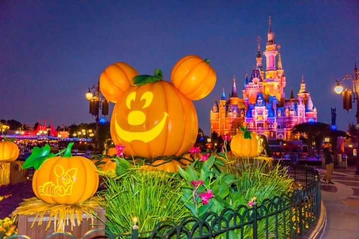 amusement parks for Halloween, Disneyland
