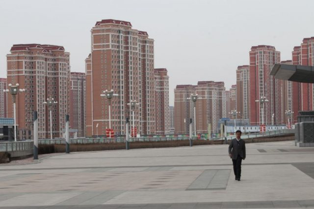 Kangbashi-district-Ordos-city-Inner-Mongolia-abandoned-ghost cities