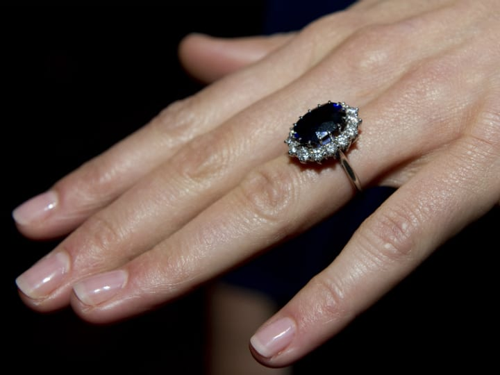 princess dianas ring on kate middletons hand