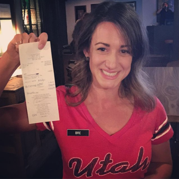 random acts of kindess, waitress bre snow receives a $3000 tip